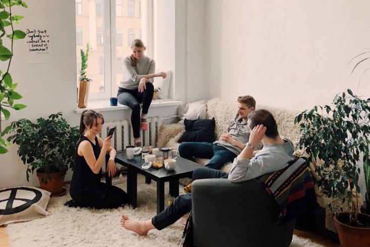 Ini 3 Bahasa Cinta yang Bisa Kamu Tunjukan di Dalam Rumah