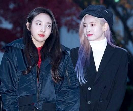 Kostum Comeback Twice Mendapatkan Banyak Cibiran Yang Tajam
